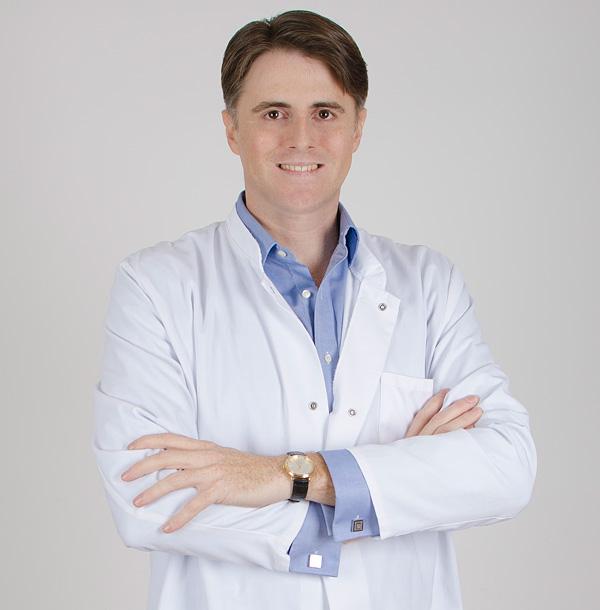 Dr-Eduardo-de-Frutos-kalos-medicina-estetica